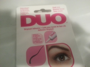 Duo glue in dark tone...The best